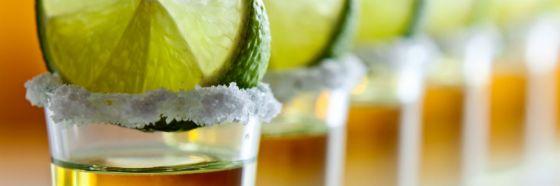 tequila con limon imagen bebidas mexicanas