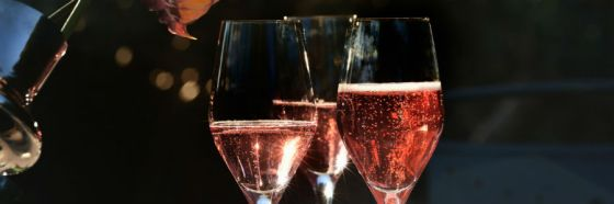cremant de bordeaux rose glasses