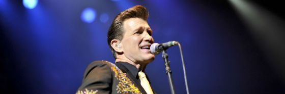 Chris Isaak in concert live