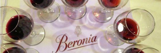 glasses rioja wine beronia