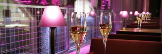 champagne glasses restaurant magenta