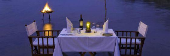 romantic dinner valentine day