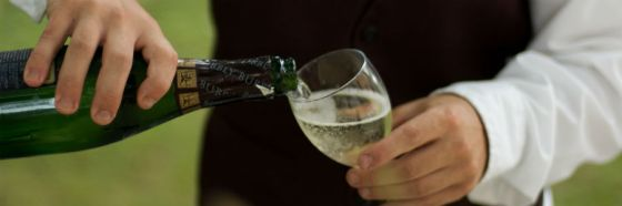 sparkling wine pouring