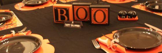 halloween dinner table decoration