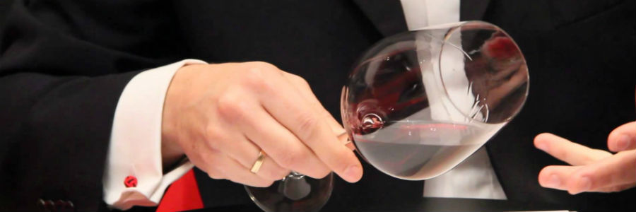 red wine glass evaluation